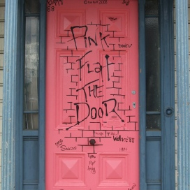 Pink Flat the Door 3 Clyde Street